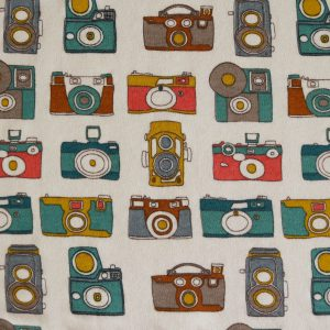 "Restmenge! Bio-Jersey ""Photo-Camera"" in ecru/bunt von Birch Fabrics"