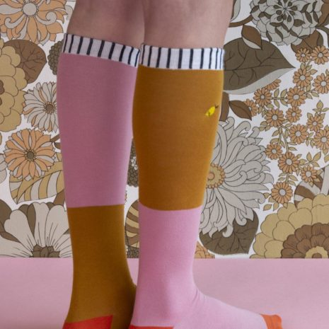 18072 - Kneehigh socks - duo tone - dusty pink + dijon - back